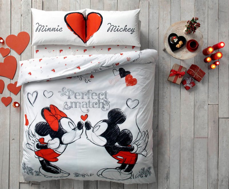 lenjerii pat dublu copii disney minnie si mickey de la paladin. Black Bedroom Furniture Sets. Home Design Ideas